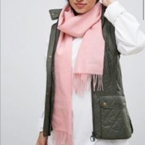 NWT Barbour Lambswool Scarf in Blush Pink